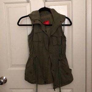 Jackets & Blazers - Hooded cargo vest